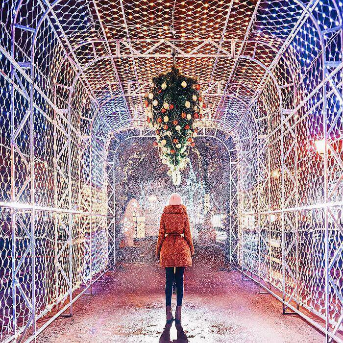 moscow-city-looked-like-a-fairytale-during-orthodox-christmas-10__700_mini_mini