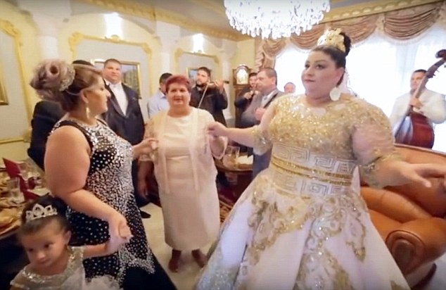 Slovakian gypsy wedding рис 6