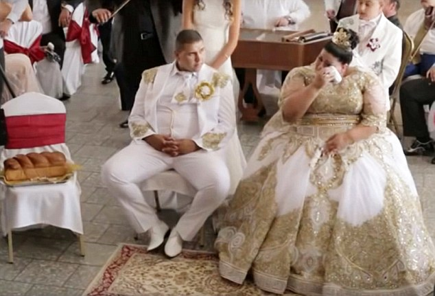 Slovakian gypsy wedding рис 5