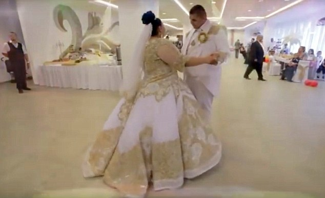 Slovakian gypsy wedding рис 9