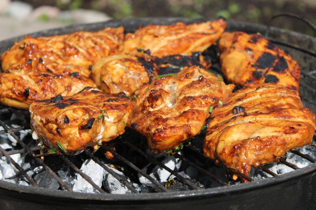 chicken-barbecue-meat-juicy1