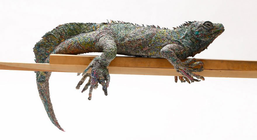 rolled-newspaper-animal-sculptures-paper-trails-chie-hitotsuyama-19