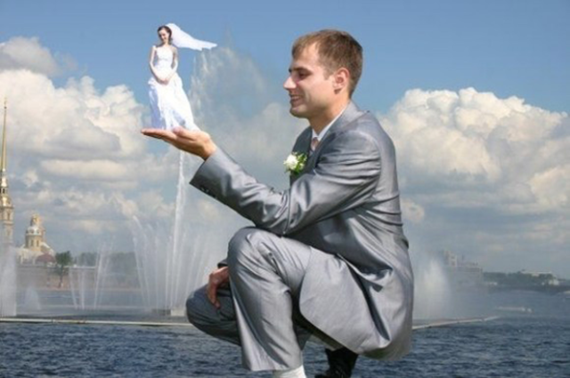 6awkward-wedding-photos-11