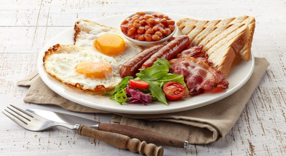 English-breakfast-with-fried-eggs-e1438882431980-1440x784