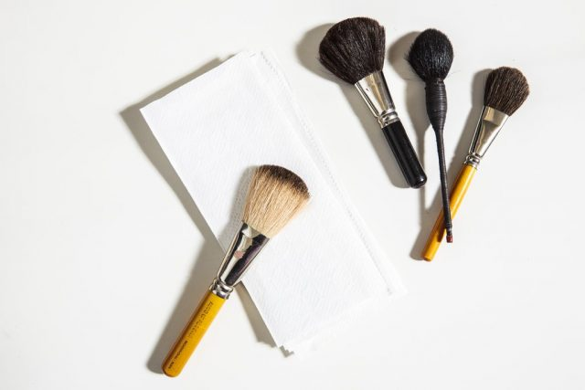 cleaning-your-makeup-brushes