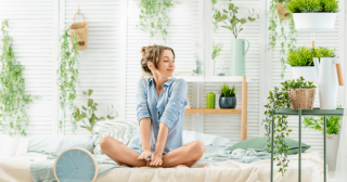 5-Plants-That-Help-You-Get-The-Best-Sleep-1024x576
